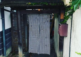 雨だれ書房も併設。。長野県松本市中央3丁目の『みよ食堂』