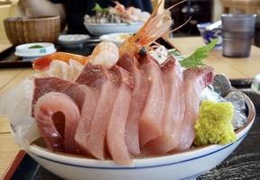 富山県氷見市 海鮮丼 美味い店