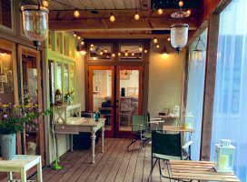 お庭でくつろげるスタンドカフェ。。長野県北佐久郡軽井沢町追分の『ヘルメティックアースカフェ』