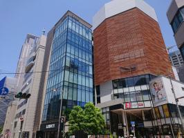 阪急梅田駅と新御堂筋の間の茶屋町という名の都会。。。