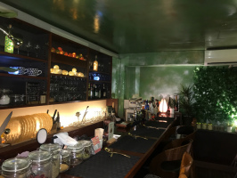 27127Alone Cafe & Bar 運