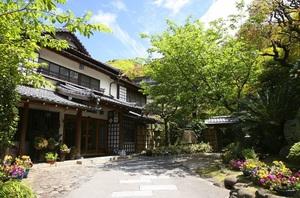 静岡県伊豆市の庭園旅館『玉樟園新井』