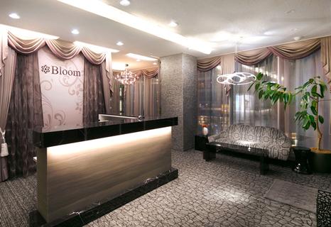 13113Bloom 新宿西口店