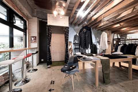28110Cedre Clothing Store