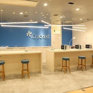 27127iCracked Store グランフロント大阪
