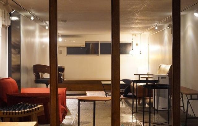 "<div>『tsukino』</div> <div>中東料理とワインのカジュアルなカフェバー。</div> <div>場所:東京都台東区雷門2丁目1-6チャプターツー東京1F</div> <div>投稿時点の情報、詳細はお店のSNS等確認下さい。</div> <div>https://www.instagram.com/tsukino_2021/</div> <div> <blockquote class=""twitter-tweet""> <p lang=""ja"" dir=""ltr"">本日オープンしました!<br />緊急事態宣言中、ランチ営業、夜は20時までとしております。<br />今日の日替わりランチは鶏のレモンオリーブ煮、揚げなすのラム挽肉詰めの2種類のご提供でした。<br />早速地元の方々が来てくださいました。<br />今後とも宜しくお願いします!<a href=""https://twitter.com/hashtag/tsukino?src=hash&ref_src=twsrc%5Etfw"">#tsukino</a> <a href=""https://twitter.com/hashtag/%E6%B5%85%E8%8D%89%E3%83%A9%E3%83%B3%E3%83%81?src=hash&ref_src=twsrc%5Etfw"">#浅草ランチ</a> <a href=""https://t.co/I1MmdFssxX"">pic.twitter.com/I1MmdFssxX</a></p> — tsukino (@tsukino95224267) <a href=""https://twitter.com/tsukino95224267/status/1432255052647788550?ref_src=twsrc%5Etfw"">August 30, 2021</a></blockquote> <script async="""" src=""https://platform.twitter.com/widgets.js"" charset=""utf-8""></script> </div> ()"