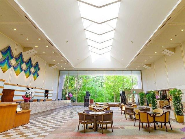"<p>『Hotel Epinard Nasu』</p> <p>那須最大級の温泉露天風呂大浴場・温水プール、陶芸などの体験教室、</p> <p>世代を問わず愉しめる食・癒・楽3拍子が揃うリゾートホテル。</p> <p>住所:栃木県那須郡那須町大字高久丙1番地</p> <p>https://bit.ly/3fds7an</p><div class=""news_area is_type01""><div class=""thumnail""><a href=""https://bit.ly/3fds7an""><div class=""image""><img src=""https://scontent-nrt1-1.xx.fbcdn.net/v/t1.0-9/82549173_3038371092860115_5915677281069563904_o.jpg?_nc_cat=106&_nc_sid=8024bb&_nc_oc=AQk1AjCwYJdxoVzRsFWklA7vvnDhQAY1Cy5jt5lmNM3gpmflYMSZV3alRp2XKdZCCz0&_nc_ht=scontent-nrt1-1.xx&oh=30cc6ad16d66f2747122fe338aa9197a&oe=5F2D39BF""></div><div class=""text""><h3 class=""sitetitle"">ホテル エピナール 那須 - Hotel Epinard Nasu</h3><p class=""description"">1,100円で3枚綴りの『立ち寄り湯 那須温泉周遊券』 ホテルエピナール那須は2枚でご利用いただけます♨</p></div></a></div></div> ()"