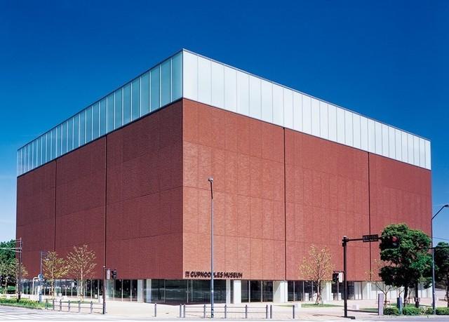 "<p>「Cupnoodles Museum Yokohama」</p> <p>インスタントラーメンにまつわるさまざまな展示、映像、遊戯施設、体験工房など通じて</p> <p>発明・発見の大切さやベンチャーマインドの大切さを伝える体験型食育ミュージアム...</p> <p>https://bit.ly/3g6v2BG</p><div class=""news_area is_type01""><div class=""thumnail""><a href=""https://bit.ly/3g6v2BG""><div class=""image""><img src=""https://scontent-nrt1-1.xx.fbcdn.net/v/t31.0-8/17349793_1245307002211681_6608808533308784603_o.jpg?_nc_cat=102&_nc_sid=2d5d41&_nc_oc=AQm0WeR3loIjm5k9gTsLNFZht8X8VAT4R3iESo_30cpUFwLPZvZAo73qI17UQi_NaSo&_nc_ht=scontent-nrt1-1.xx&oh=0ec120dcc245d88e95679c6c94245e62&oe=5F1EA0B0""></div><div class=""text""><h3 class=""sitetitle"">カップヌードルミュージアム 横浜 -Cupnoodles Museum Yokohama</h3><p class=""description""><ミュージアムフォトスポットその①>  波動麺!!!  ーーー 「タテ・ヨコ・ナナメから見る」モニュメントは 2階フロアで展示中です。</p></div></a></div></div> ()"