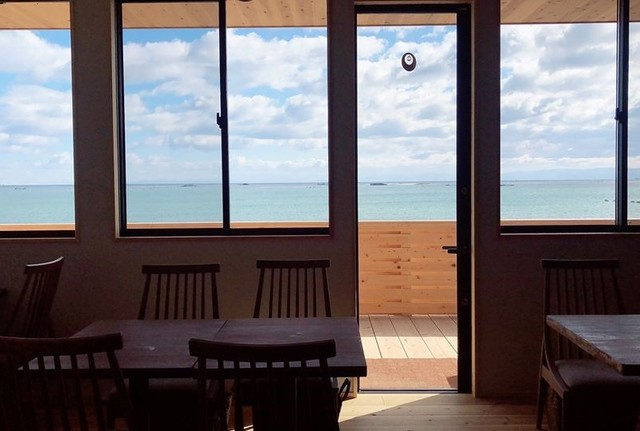 """<p>渚のリトリート「L'Orchidée Awajishima」2月13日オープン!</p> <p>海の目の前という恵まれた立地の中で、自然に寄り添い、自らの心と</p> <p>カラダと向き合い、本来の自分らしい健康と美しさを取り戻す場所。</p> <p>自然食メインのレストラン、おがくずの酵素風呂、自然素材に包まれる宿泊。。</p> <p>http://bit.ly/2w869o6</p> <div class=""""news_area is_type01""""></div><div class=""""news_area is_type01""""><div class=""""thumnail""""><a href=""""http://bit.ly/2w869o6""""><div class=""""image""""><img src=""""https://prtree.jp/sv_image/w640h640/On/kl/OnklT8h8ng0XceZA.jpg""""></div><div class=""""text""""><h3 class=""""sitetitle"""">ロキデ アワジシマ(旧 遊食工房あ・じゃぽん) on Instagram: """"【関西ウォーカー載ります❤️】 先日関西ウォーカーさんから取材したいとのお問い合わせ♪ なんと1ページ半の特集〜???? 取材の時間だけ美しく晴れるという最高のロケーションで撮影してもらえました????  レストランと酵素風呂と宿泊部屋も取り上げてくれましたよ⭕️ 3月28日発売です????…""""</h3><p class=""""description"""">86 Likes, 2 Comments - ロキデ アワジシマ(旧 遊食工房あ・じゃぽん) (@lorchidee.jp) on Instagram: """"【関西ウォーカー載ります❤️】 先日関西ウォーカーさんから取材したいとのお問い合わせ♪ なんと1ページ半の特集〜???? 取材の時間だけ美しく晴れるという最高のロケーションで撮影してもらえました????…""""</p></div></a></div></div> ()"""