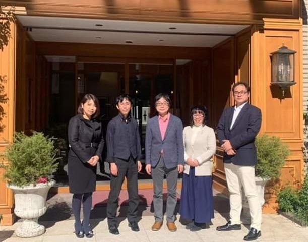<p>本日2月13日(木)紀尾井町サロンホールにて、HEALINGTIME無事開催させていただいております。</p> <p>倍音声明、アイリッシュハープ、ジャズピアノのコラボレーション。</p> <p>お客様にも、お喜び頂けたご様子。</p> <p>感謝いたします!</p> ()