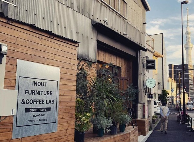 """<p>【 INOUT 】2020.5/7オープン</p> <p>部屋とフィールドをシームレスに繋ぐファニチャーブランド。1FはFURNITURE&COFFEE LAB。2Fは1ROOMをイメージしたショールーム。</p> <p><a href=""""https://goo.gl/maps/yCkyKPkSxiqvSTyY9"""" target=""""_blank"""">東京都墨田区堤通1-11-18</a></p> <p><a href=""""https://www.instagram.com/p/B_2Shftp81Y/"""">https://www.instagram.com/p/B_2Shftp81Y/</a></p> <div class=""""news_area is_type01""""> <div class=""""thumnail""""><a href=""""https://www.instagram.com/p/B_2Shftp81Y/""""> <div class=""""image""""><img src=""""https://scontent-nrt1-1.cdninstagram.com/v/t51.2885-15/e35/s1080x1080/95937081_1287643211424476_6828420457109712098_n.jpg?_nc_ht=scontent-nrt1-1.cdninstagram.com&_nc_cat=108&_nc_ohc=AuaquhkEUDQAX9O9BDt&oh=5163eb6af6768d666c5e472093d15c57&oe=5EEDB822"""" /></div> <div class=""""text""""> <h3 class=""""sitetitle"""">INOUT's Instagram post: """"新店舗ご紹介‼︎ 半年掛けてやっと完成しました。 1FはFURNITURE&COFFEE LAB 2Fは1ROOMをイメージしたショールームになっています。""""</h3> <p class=""""description"""">1,183 Likes, 10 Comments - INOUT (@inout_official) on Instagram: """"新店舗ご紹介‼︎ 半年掛けてやっと完成しました。 1FはFURNITURE&COFFEE LAB 2Fは1ROOMをイメージしたショールームになっています。""""</p> </div> </a></div> </div> ()"""