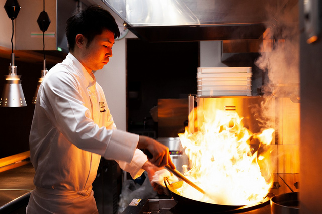 """<p>固定観念にとらわれない</p> <p>全く新しい中華料理を提供</p> <p>常に新しい料理を生み出す挑戦を続け</p> <p>常に新しい驚きを提供したい...</p> <p>「Fff…TOSHI」9月5日グランドオープン!</p><div class=""""thumnail post_thumb""""><a href=""""""""><h3 class=""""sitetitle""""></h3><p class=""""description""""></p></a></div> ()"""