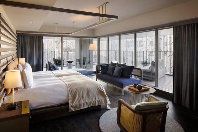 "<p>『Good Nature Hotel Kyoto』</p> <p>GOOD NATUREに包まれ、触れ、感じ、GOOD NATUREを五感で楽しめる場所。</p> <p>住所:京都市下京区河原町通四条下ル2丁目稲荷町318番6</p> <p>https://bit.ly/2XuqNbA</p><div class=""news_area is_type01""><div class=""thumnail""><a href=""https://bit.ly/2XuqNbA""><div class=""image""><img src=""https://scontent-nrt1-1.xx.fbcdn.net/v/t1.0-9/91943954_150135856526749_7325059902919933952_n.jpg?_nc_cat=101&_nc_sid=110474&_nc_oc=AQmA_DcUP_Uegx_Iv8i_ADuN0mjKWI1RM7NgI_WEZHAfg8ndas-TIPj7Rpjku2g98uA&_nc_ht=scontent-nrt1-1.xx&oh=bc4165b4467bd488e7db08bd995b48a1&oe=5EF38D91""></div><div class=""text""><h3 class=""sitetitle"">Good Nature Hotel Kyoto</h3><p class=""description"">Good Nature Hotel Kyotoさんが写真を追加しました</p></div></a></div></div> ()"